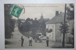 18 : Les Aix D'Angillon - Vue Prise  De La Route  D'Henrichemont  ( Animation   , Attelage ) - Les Aix-d'Angillon