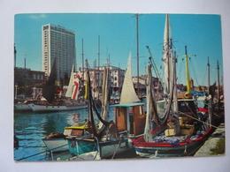 """Cartolina Viaggiata """"RIMINI Porto Canale E Grattacielo""""  1972 - Rimini"""