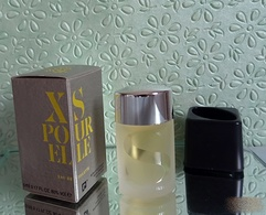 """Miniature  """"XS POUR ELLE"""" De PACO RABANNE Eau De Toilette 5 Ml Dans Sa Boite - Miniatures Modernes (à Partir De 1961)"""