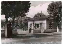 LUNEVILLE (54) - Entrée De La Caserne Du 31è Dragons - Luneville