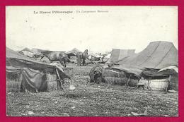 CPA Maroc - Campagne Du Maroc - Un Campement Marocain - Timbre Humide Troupes Auxiliaires Marocaines - Lettres & Documents