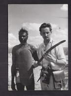 CPSM EXPLORATION AUSTRALIE INDIGENES - TB PHOTO Explorateur VILLEMINOT Autographe 1956 - Australie