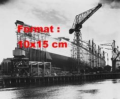 Reproduction D'une Photographie Ancienne D'une Vue Du Chantier Pour La Construction Du Paquebot Queen Mary En 1934 - Reproductions