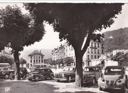 CPA FRANCE SAINT CLAUDE (Jura) Place Du Pré Voitures 2 Cv, 4 Cv, Aronde Etc - Saint Claude