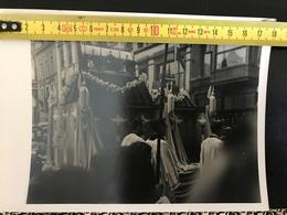 PROCESSION 7e CENTENAIRE DE LA FETE DIEU LIEGE DEVANT LA CATHEDRALE JUIN 1946 - Documents Historiques