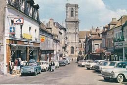 CPM Photo Clamecy (58) Place Du Grand Marché  Nombreuses Voitures Renault Vedettes DS ...    Editions Nivernaises - Automobiles