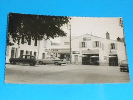 17 ) Nieul-sur-mer - N° 17 - Carte Photo - Coop Et Café De La Place  : Année  : EDIT : Véronique - France