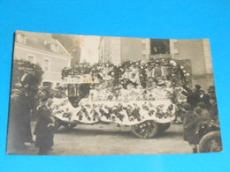 "36 ) Chatillon-sur-indre - Carte Photo  "" Cavalcade ""  N° 3 - Camion Fleurie - France"