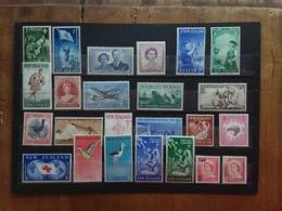 NUOVA ZELANDA - Lotticino 24 Francobolli Anni '50 Differenti Nuovi ** + Spese Postali - New Zealand