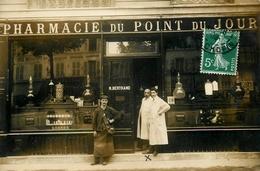 """Paris 16ème - Carte Photo - Devanture """" Pharmacie Du Point Du Jour N. BERTRAND """" Magasin Commerce - Belle Animaiton - Arrondissement: 16"""