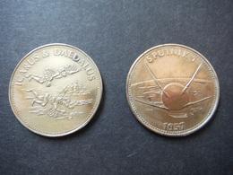 2 Jetons Collection SHELL - Années 1960 Ou 1970 - Icare Et Dédale - Sputnik 1 - France