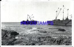 107751 URUGUAY PUNTA DEL ESTE VISTA PARCIAL SHIP BARCO NAUFRAGADO EN LA PLAYA BRAVA YEAR 1966 PHOTO NO POSTAL POSTCARD - Uruguay