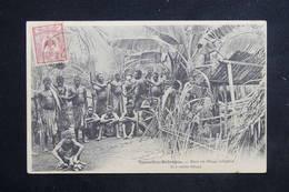 NOUVELLES HÉBRIDES - Carte Postale - Dans Un Village Indigène - L 23450 - Vanuatu
