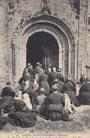 SAINT-JEAN-TROLIMON: La Chapelle De Tronoen, Pendant La Messe Du Pardon - Saint-Jean-Trolimon