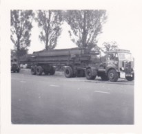 AQ13 Photograph - Small Photograph Of An Articulated Lorry - Cars