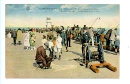 Blankenberghe - A L'Estacade - Pêcheur Réparant Ses Filets - On The Stockade - Fisher Repairing His Nets - Blankenberge
