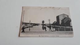 *Ypres Le Quai Animée Oblitéré En 1903 - Ieper