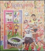 DE23 - Mozambique 2002 MNH Minisheet - Korea & Japan Football World Cup - Teams Of England, Italy, Denmark & Colombia - Mozambique