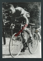 Cyclisme. Reportage Photo. Geldermans à Remporté La Première étape De La Course Menton...? - Cyclisme