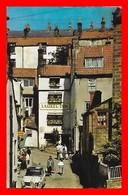 CPA ROBIN HOOD'S BAY (Angleterre)  Hôtel Restaurant Laurel Inn, Animé...I0646 - Angleterre