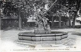 70 LUXEUIL LES BAINS - FONTAINE NEPTUNE PLACE DU COLLEGE - Luxeuil Les Bains