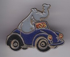 PIN DE UN ELEFANTE EN UN COCHE (CAR-ELEPHANT) - Animales