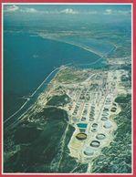 La Raffinerie De La Mède. Étang De Berre. France. Encyclopédie De 1970. - Vieux Papiers