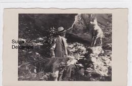 Mann Mit Bär Und Gemse. Photomontage. Einmalig - GR Grisons