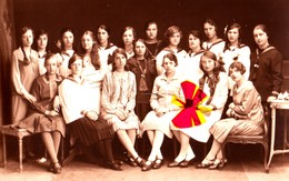 Photocarte D'un Groupe De Fille De 3éme Année Moyenne à RENAIX En 1926-27 - Ronse
