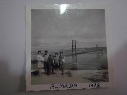 1 Photo (ra5) - Portugal - Almada - Anonymous Persons
