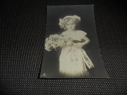 Enfant ( 2399 )    Fillette - Enfants