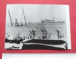 """1968 - Saipan, Sunken Ship """"Four Winds"""" - Northern Mariana Islands - Wirephoto, Photo For Press - 68 - Marianen"""