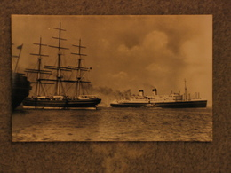 SHAW SAVILL DOMINION MONARCH WITH CUTTY SARK IN THAMES - OFFICIAL, RP - Steamers