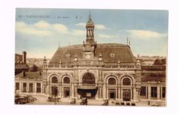 La Gare.Oldtimer.Autos.Fiacres. - Valenciennes
