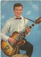 Jeune Avec Guitare - Hommes
