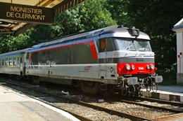 Monestier De Clermont (38 - France) 15 Septembre 2005 - La BB 67389 En Tête Du Train TER 85609 Grenoble/Briançon - Trains