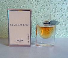 """Miniature  """"LA VIE EST BELLE """"de LANCÔME  Eau De Parfum 4 Ml Dans Sa  Boite - Miniatures Modernes (à Partir De 1961)"""
