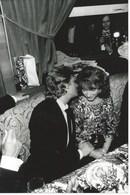 JOHNNY HALLYDAY ET NATHALIE BAYE - CESARS 83 - PHOTO - Famous People