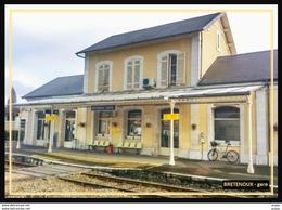 46  BRETENOUX ... La  Gare Interieure - Bretenoux