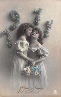 BEAUTIFUL YOUNG GIRLS-HAND PAINTED DRESS DECOR HOLDING FLOWERS-PHOTO 1911 BONNE ANNEE POSTCARD 39238 - Altri