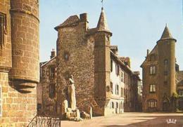 Cantal        H349        Salers.Maison De Flojeac Et Tour De La Ronade - Francia