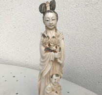 Okimono (Geisha ) - Ivoire - Japon - Période Meiji (1868–1912) - Art Asiatique