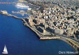 1 AK Griechenland * Blick Auf Die Kauptstadt Von Kreta - Heraklleio Auch Iraklio - Luftbildansicht * - Griechenland