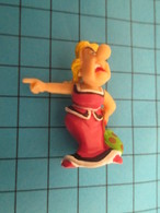 Figurine PLASTOY 2006 En Plastique Souple : ( Série ASTERIX ) BONNEMINE LA FEMME DU CHEF - Figurines En Plastique