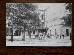 Bruyéres En Vosges. Institution Jeanne D'Arc , Cour Des Récréations - Bruyeres