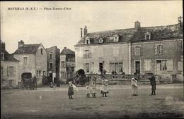Cp Montjean Maine Et Loire, Place Jeanne D'Arc - France