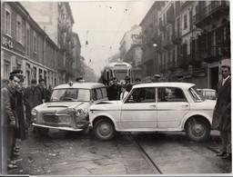 AUTO CAR VOITURE E TRAM N. 7 - INCIDENTE TORINO VIA MADAMA CRISTINA - FOTO ORIGINALE 1960 CIRCA - Automobili