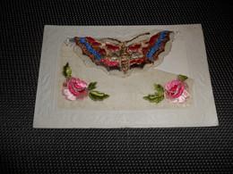 Carte Brodée ( 37 )  Geborduurde Kaart   Papillon  Vlinder - Brodées