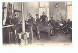 78 Ecole De Saint Cyr Cpa Carte Animée Soldat Militaire Edit ND N°42 Le Corps De Garde - St. Cyr L'Ecole