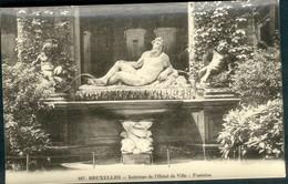 BRUXELLES :  Intérieur De L'Hôtel De Ville : Fontaine - Monumenten, Gebouwen